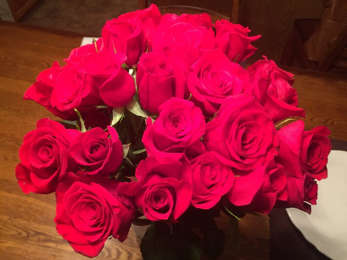 Best Flowers For Surprise On Date Night