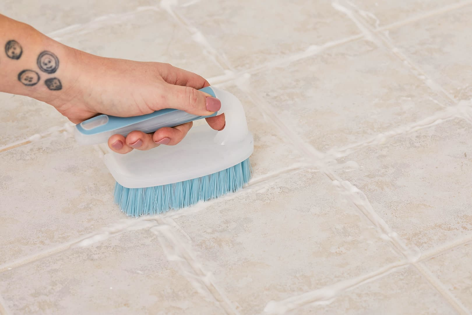Use Ammonia To Disinfect The Tile's Floor: