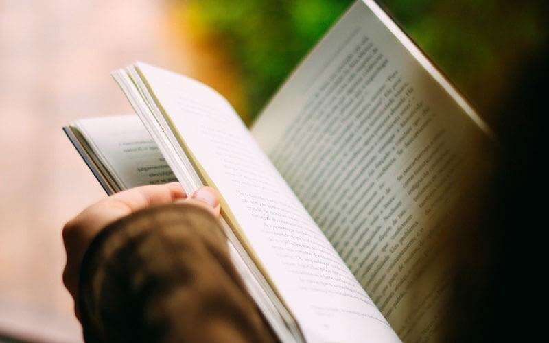 7 Tips to Hook Your Reader-thatviralfeedcdn